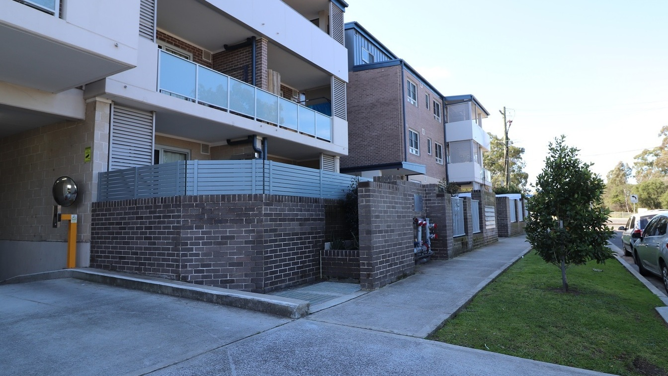 Neat and tidy one bedroom unit. - 104/16 Collett Parade, Parramatta NSW 2150 - 1