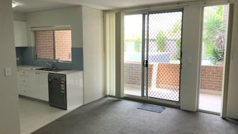 Modern affordable two bedroom unit - 5/8a Northcote Rd, Hornsby NSW 2077 - 4